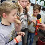 Uczniowie podczas warsztatów ekologicznych